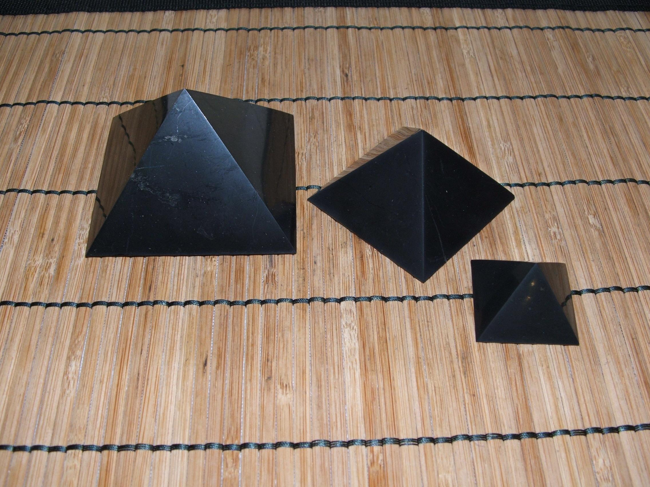 Пирамида для медитации своими руками